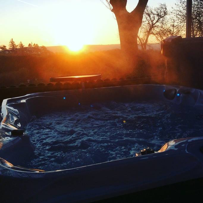 copy-Hot-Tub1.jpg